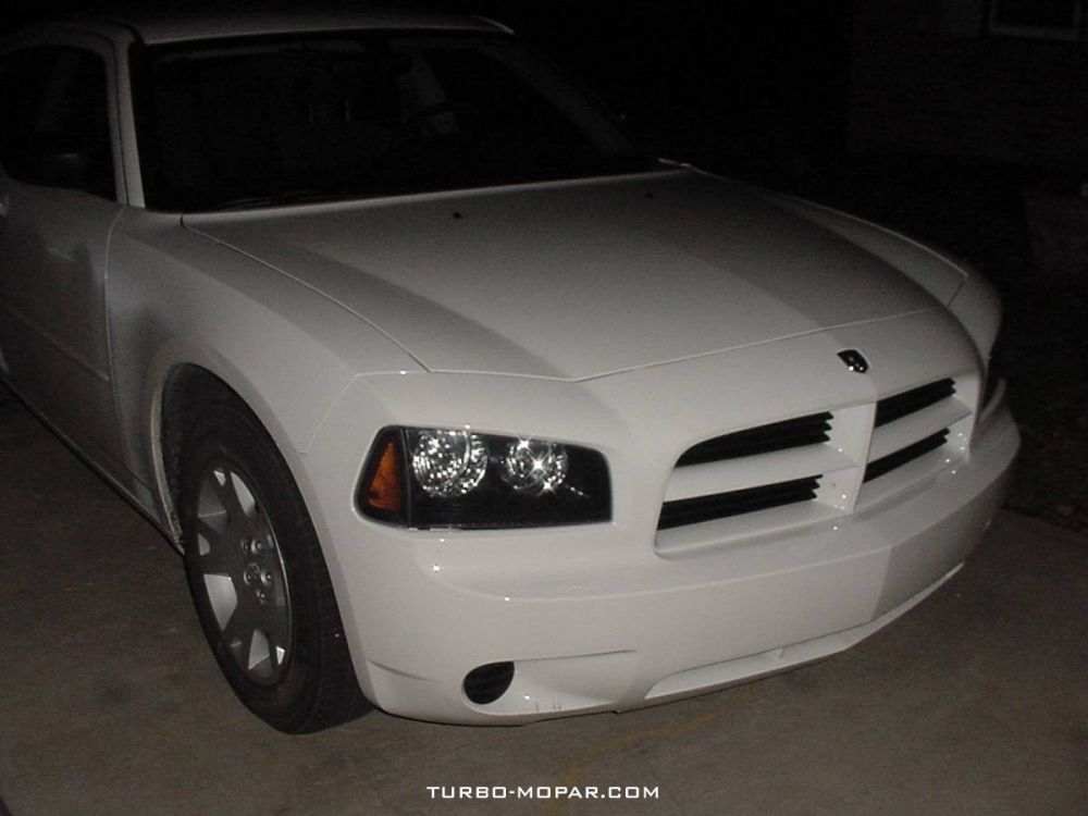 2006_Dodge_Charger_rental_car-front_view