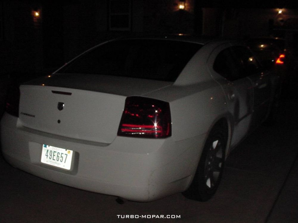 2006_Dodge_Charger_rental_car-rear_view
