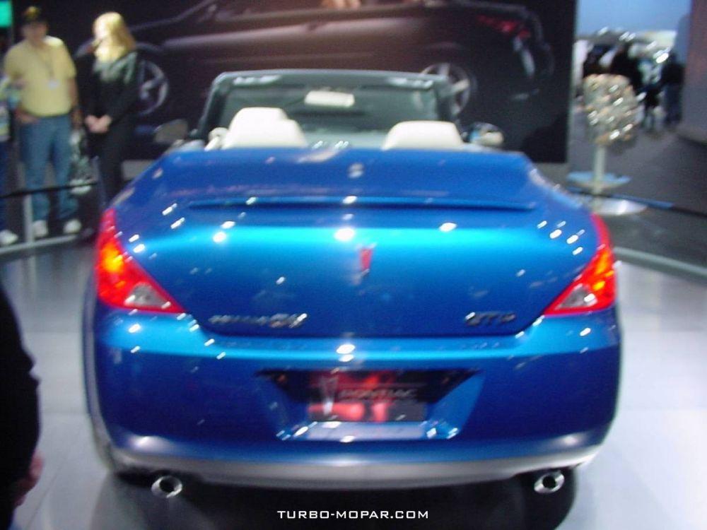 2006_Pontiac_G6_GTP_Convertible-rear_view