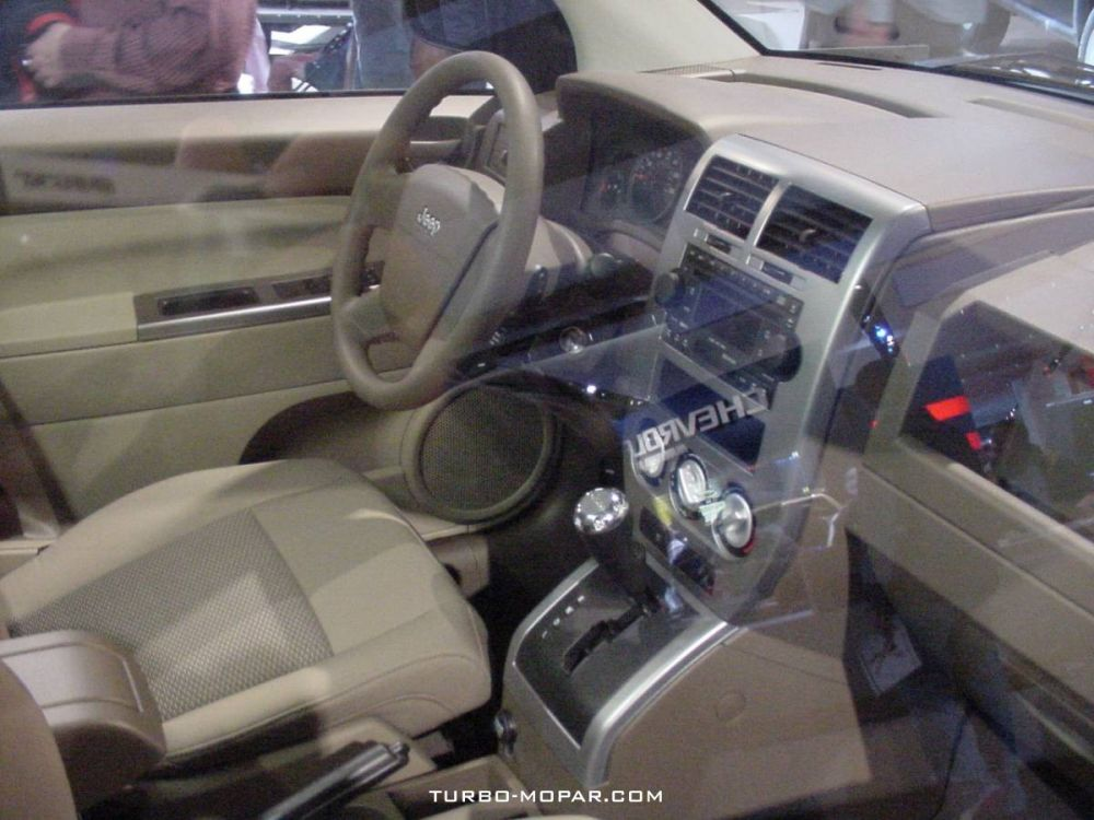 2007_Jeep_Compass-interior_view